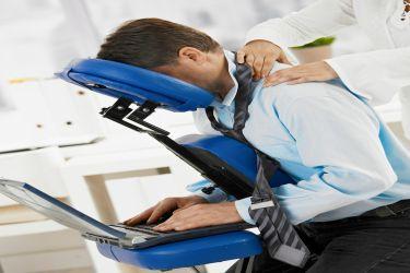 Masaż i szkolenia postawy w miejscu pracy